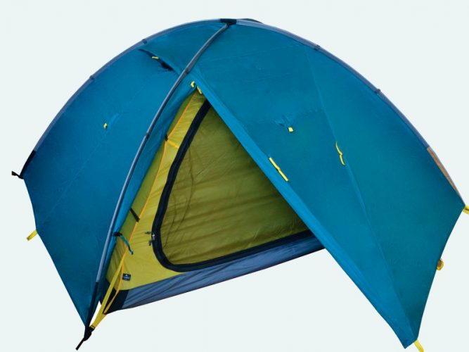 Тент выступает от края дна палатки, почти до земли, хороший вариант