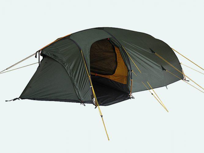 Четырехместная палатка с боковым входом в тамбур