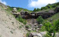 Дальний водопад ущелья Панагея