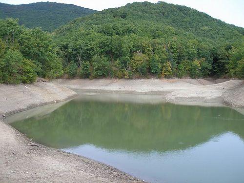 Горное озеро Ворон август