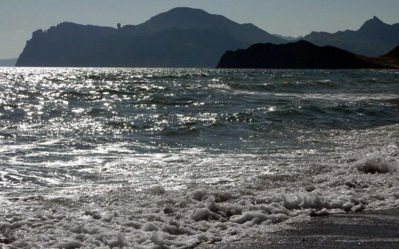 Море, вид на Кара-Даг