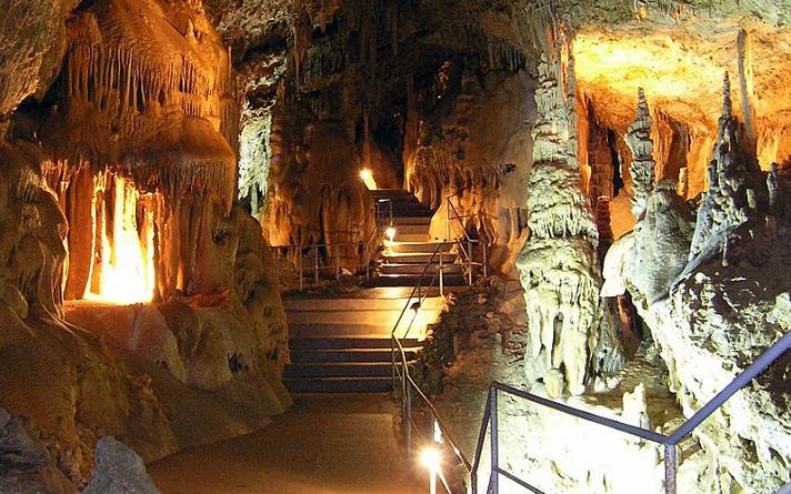 Пещера Скельская