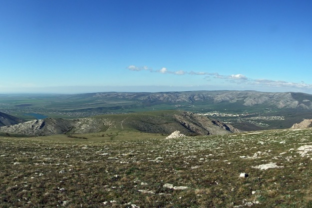 Вид на долину с Чатыр-Даг