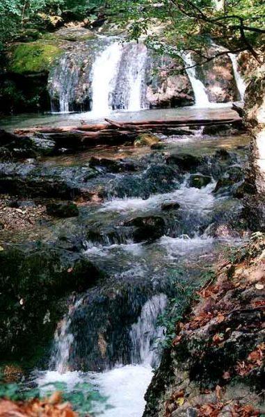 Водопады ущелья Хап-Хал
