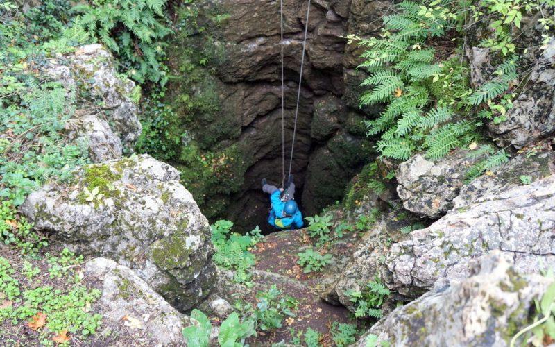 Спуск в пещеру 2