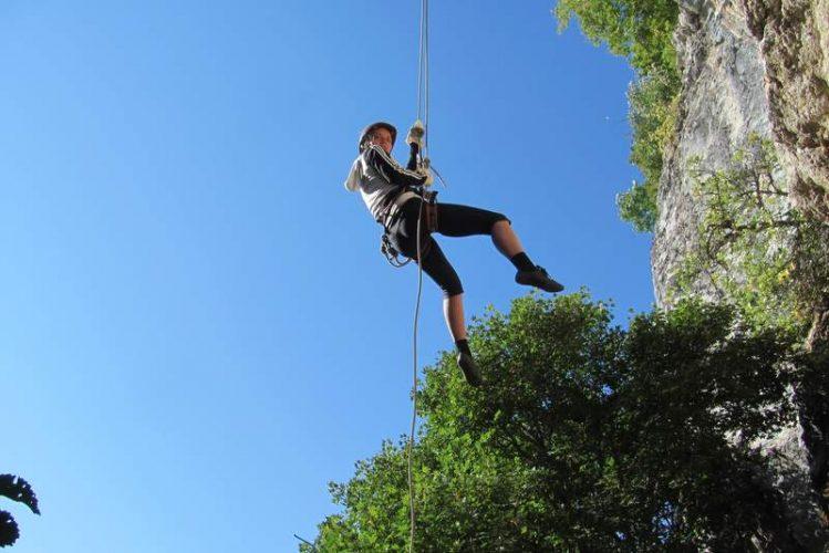 Спуск по веревке