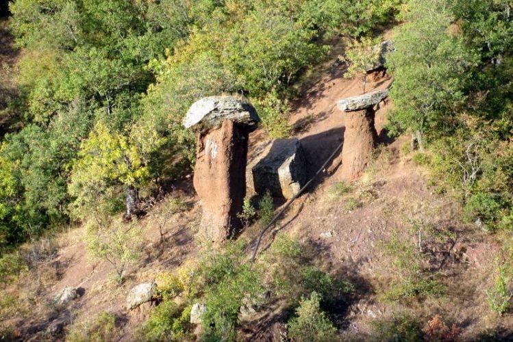 Каменные грибы Сотеры